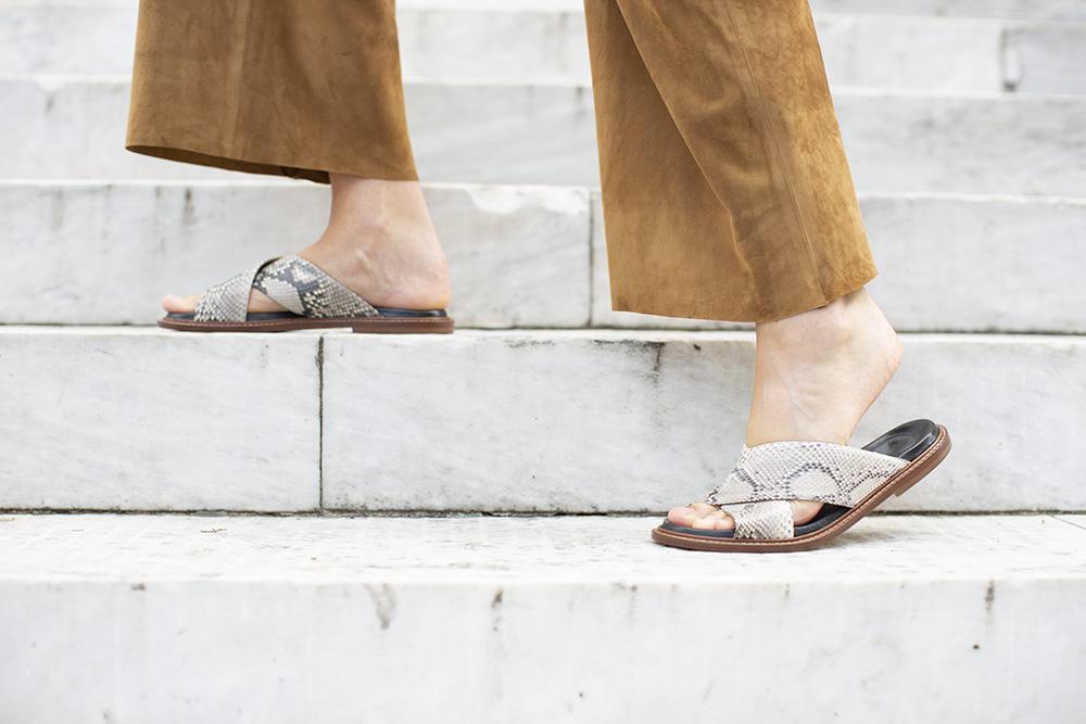 Python Leather Flats, roccia